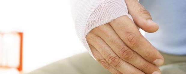 За сломанную руку полицейского жителя Челнов оштрафовали на 100 тысяч рублей