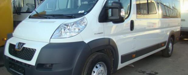 В Автограде под колеса микроавтобуса №207 попала 44-летняя женщина