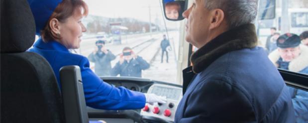 Рустам Минниханов стал первым пассажиром в челнинском трамвае