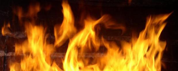 Пожар в челнинской квартире отключил отопление в целом доме, на улице -28