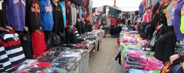 Из-за пожара в ТЦ «Адмирал» в Набережных Челнах закрыли Комсомольский рынок
