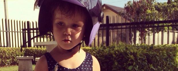 Трехлетняя челнинка, впавшая в кому после падения в бассейн, смогла самостоятельно подышать три часа