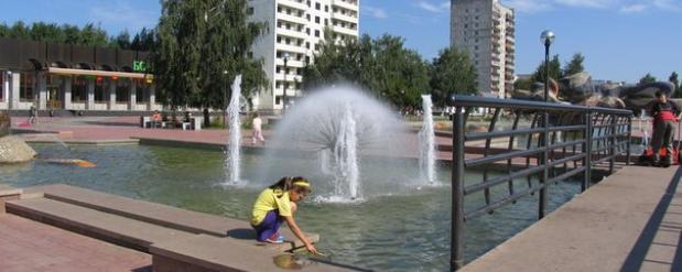 В Набережных Челнах заработали фонтаны