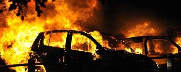 Жителя Набережных Челнов посадили на 2 года за то, что он совершил поджог автомобиля бывшей возлюбленной