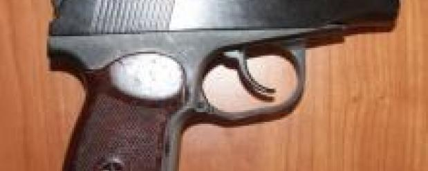 В Набережных Челнах мужчина открыл стрельбу по прохожим