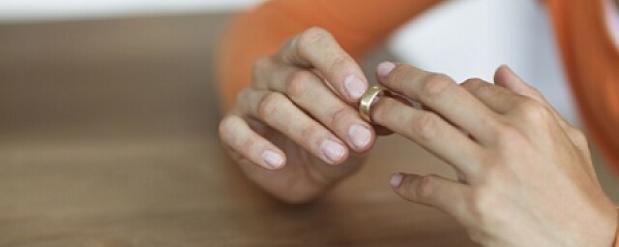 В Челнах супруги оформили развод через 43 года после распада семьи