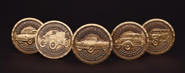 Легендарные модели ŠKODA появились на монетах для геокэшинга