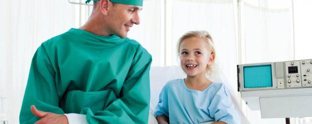 Замечательный хирург из Набережных Челнов восстанавливает лица детишек после укусов псов