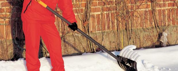 За оскорбление полицейского подростку из Челнов присудили 40 часов чистить снег на улицах города